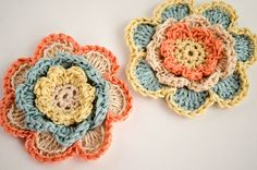 In this tutorial, we're going to show you how to make crocheted flowers in 3 tiers. They're perfect for gifts and as decoration in your home!