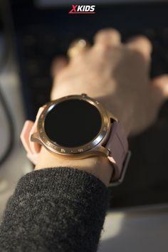 😍Ai încercat până acum să-ți monitorizezi activitatea cu ajutorul unui smartwatch? Ei bine, aceste device-uri chiar te pot ajuta să-ți măsori mai eficient tensiunea arteriala, să-ți monitorizezi mai atent ritmul cardiac și să reduci numărul de ore petrecut în fața televizorului/laptopului. ☺ 📌Smartwatch-ul TKY-S02 de la Twinkler este dotat cu 23 de moduri sportive, așadar indiferent de sportul pe care-l practici vei beneficia de o experiență cu totul și cu totul nouă. Smart Watch, Laptop, Samsung, Sport, Kids, Young Children, Smartwatch, Deporte, Boys