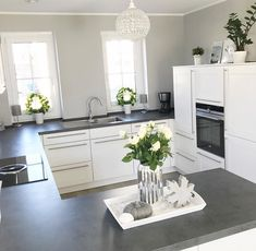 59 Inspiring Kitchen Cabinet Colors and Ideas ~ Beautiful House Home Decor Kitchen, Interior Design Kitchen, Interior Decorating, Kitchen Modern, Ikea Kitchen, Kitchen Living, Country Kitchen, Kitchen Ideas, Grey Kitchens