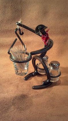 Horseshoe Cowboy that holds salt pepper, toothpicks a miniature dinner bell. Horseshoe Cowboy that h Welding Crafts, Welding Art Projects, Metal Art Projects, Metal Crafts, Diy Welding, Welding Tools, Blacksmith Projects, Welding Ideas, Diy Tools