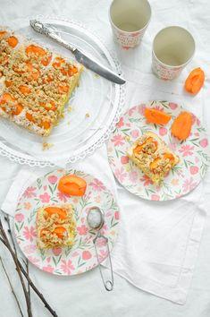 Blitz Aprikosenkuchen mit Knusperkruste Blitz, Plates, Tableware, Bakeware, Bakken, Essen, Licence Plates, Dishes