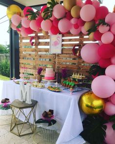 Pink Flamingo Party, Flamingo Baby Shower, Flamingo Birthday, Flamingo Photo, Luau Baby Showers, Baby Shower Themes, Baby Shower Decorations, Girl Birthday Themes, Baby Boy 1st Birthday