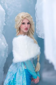 I just like the crazy hair on this one. Elsa Cosplay, Frozen Cosplay, Cosplay Costumes, Cosplay Ideas, Amazing Halloween Costumes, Elsa Hair, Fantasy Portraits, Elsa Dress, Fantasy Photography