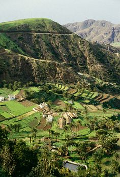 farms, Vallehermoso, La Gomera, Canary Islands, Spain | Bengt Hedberg via Johnér