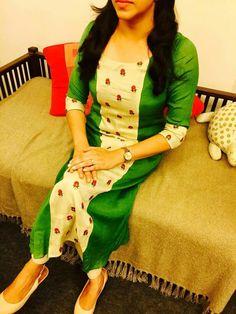 Salwar Neck Designs, Kurta Neck Design, Kurta Designs Women, Dress Neck Designs, Blouse Designs, Salwar Pattern, Kurti Patterns, Kurtha Designs, Kalamkari Designs