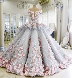 Melice Gorgeous Appliques Lace Ball Gown Wedding Dress 2017 O-nwck Button Flower Princess Wedding Gown Robe De Mariage Plus Size Blue Ball Gowns, Ball Gowns Prom, Ball Dresses, Evening Dresses, Dresses 2016, Dresses Uk, Dresses For Balls, Flower Dresses, Dress With Flowers