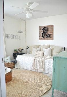 Cómo diseñar el dormitorio de huéspedes perfecto para tus invitados. Cuarto. Dormitorio. Huéspedes. Comodidad. Mobiliario. Decohunter. Diseño interior.