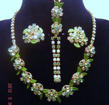Vintage Weiss Green Yellow Enamel Rhinestone Necklace Bracelet Earrings