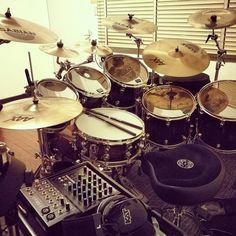 My lovely drumkit!!