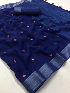 Shop Kashmiri Silk Sarees with price Online. Our fashion magazine personal shoppers helps you the stylish look for Family Parties and Functions. Chiffon Saree, Organza Saree, Blue Saree, Indigo Saree, Silk Sarees With Price, Soft Silk Sarees, Cotton Saree Designs, Saree Blouse Designs, Tejidos