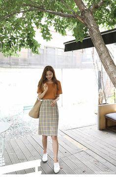 Korean street fashion – Korean fashion outfits – – - New Site Celebrity Fashion Outfits, Korean Fashion Trends, Korea Fashion, Asian Fashion, Modest Fashion, Look Fashion, Girl Fashion, Celebrity Style, Fashion Design