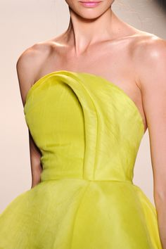 Lela Rose at New York Fashion Week Spring 2014 - Details Runway Photos Style Haute Couture, Couture Details, Fashion Details, Love Fashion, High Fashion, Fashion Tips, Club Fashion, Fashion Hacks, 1950s Fashion