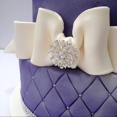 Purple Wedding Cake - Megan, what if you did a Carolina Blue Cake? I know you don't want to do a cake at all, but a cool blue one. Wedding Wishes, Our Wedding, Dream Wedding, Wedding Ideas, Best Cake Ever, Blue Cakes, Butterfly Birthday, Love Cake, Baby Shower Cakes