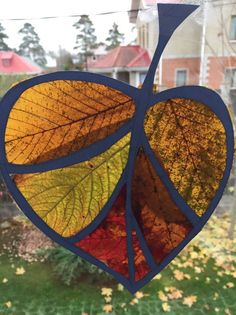 Fall Arts And Crafts, Autumn Crafts, Autumn Art, Nature Crafts, Leaf Projects, Fall Projects, Forest School Activities, Activities For Kids, Diy For Kids