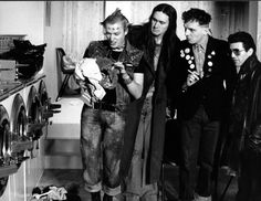 Rude Hand Gestures, Rik Mayall, Young Ones, Cool Watches, Comic Strips, Tv Shows, Guys, Comics, Concert
