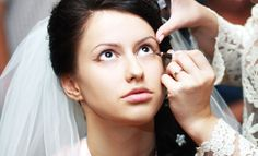 Do you want to know about the latest trends in bridal makeup? Learn some of the varieties here.