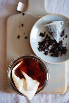 Make Your Own Black Tea Tan Spray   3 More Beauty Uses