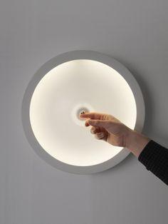 Va-et-Vient, réinterprétation de l'interrupteur en céramique comme luminaire par Noncommun - Journal du Design