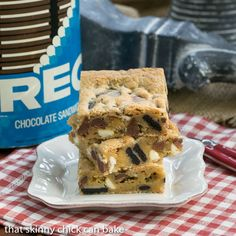 Oreo Chocolate Chip Bars | SO easy and chock full of chocolate chips and Oreo chunks!