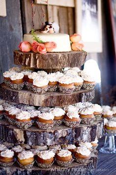 Original stand para dulces con rodajas de madera