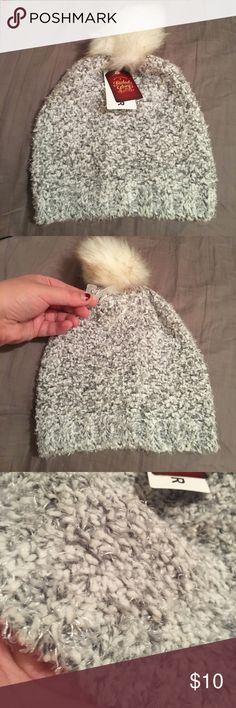 FADED GLORY WINTER HAT Cozy hat for winter. I bought it and never wore it. NWT Accessories Hats