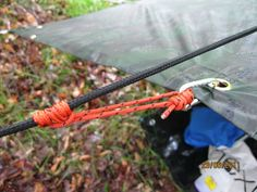 Prusik Knot // Great for tarp attachment, can be slid back and forth but tightens up when end is pulled