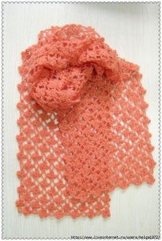 http://crochet-plaisir.over-blog.com/article-echarpes-et-leurs-grilles-gratuites-au-crochet-109883311.html  avec diagramme ( un seul fil sans interruption pour les motifs , one yarn only for this motif )