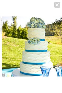 Pretty for an ocean-side or themed wedding reception. Love, love, love this turquoise ribbon.