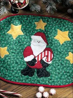 Santa Place Mat Set Free Sewing Pattern of the Day from freepatterns.com 10/5/13