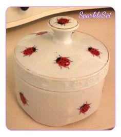Vintage Kreiss Corp Ladybug Porcelain Trinket Box by SparkleSet, $10.50
