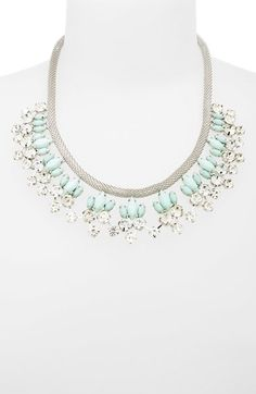 Pretty floral statement necklace http://rstyle.me/n/mytxrnyg6