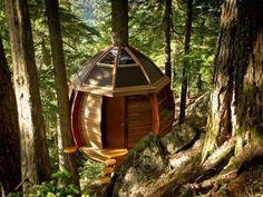 HemLoft Treehouse by Joel Allen