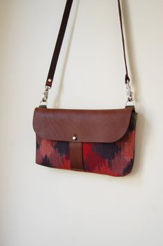 The Shelburne Purse in Cove Green and Bright Pink Ikat | S H E L T E R
