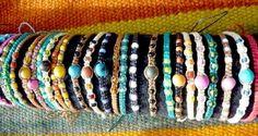 os braceletes de macramê de Lilly Caul ( O caminho para Woodbury )