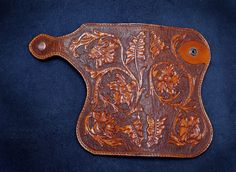 Кошелек женский. Кожа растительного дубления, тиснение. Ручная  работа. Hand-made leather wallet. Veg tanned leather, carving/tooling.