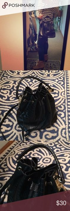 Topshop Bucket Bag This Faux Leather Topshop bucket bag is practical as well as trendy Topshop Bags Shoulder Bags