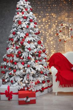 20 Impressive White Christmas Tree Designs Ideas To Try In 2019 Elegant Christmas Trees, Pink Christmas Decorations, Christmas Tree Design, Christmas Tree Themes, Silver Christmas, Noel Christmas, Christmas Kitchen, Flocked Christmas Trees Decorated, Pictures Of Christmas Trees