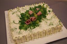 Aina on aihetta leipoa kakku. Party Sandwiches, Sandwich Cake, Appetizer Recipes, Appetizers, Savoury Cake, Cheesecakes, Food Art, Cupcake Cakes, Cake Recipes
