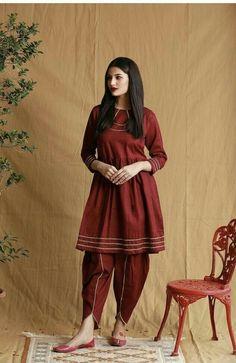 Simple Pakistani Dresses, Pakistani Fashion Casual, Pakistani Dress Design, Asian Fashion, Girl Fashion, Stylish Dress Designs, Stylish Dresses, Stylish Outfits, Casual Dresses