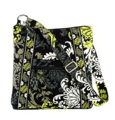 Vera Bradley Hipster in Baroque i want this bag so bad i love love lovr this pattern. Im not big on purse's but id carry this one for sure Vera Bradley Sale, Vera Bradley Purses, Vera Bradley Crossbody, Handbags Michael Kors, Look Cool, Star Fashion, Mom Fashion, Style Me, Kate Spade