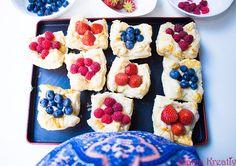 Schnelle Pudding-Törtchen aus Blätterteig mit frischen Beeren Rezept (5)