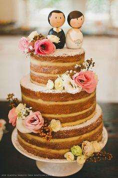 Os bolos de casamento são uma das escolhas importantes do casamento. Aquela mesa linda de doces requer um incrível bolo no centro Ultimamente, vem ganhando notoriedade um estilo diferente de bolo…