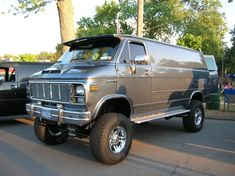 So I have a 1981 chevy truck sitting and was thinking of swapping the solid feont axle and springs into my 1982 chevy van and trans, t case to make it a has anyone done this kind of conversion? Customised Vans, Custom Vans, Hot Rod Trucks, Chevy Trucks, Lifted Trucks, Ambulance, Lifted Van, Bus Motorhome, Chevrolet Van
