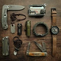 It's and we've created a brand new list of essential survival items for this year! The best bushcraft gear, survival tools, and prepping gear, all in this short list. Survival Gadgets, Urban Survival, Survival Tools, Survival Stuff, Bushcraft Skills, Bushcraft Gear, Bushcraft Backpack, Urban Edc, Edc Tactical