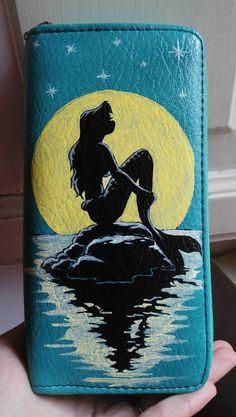 Portafoglio donna azzurro dipinto a mano by HakunaMatataAM on Etsy