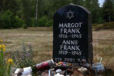 Op 4 augustus 1944 tussen 10 uur en half 11 vielen ze het achterhuis binnen. Iedereen werd meegenomen. Anne is samen met haar zus Margot naar een concentratiekamp gebracht. Hier zijn ze allebei gestorven aan een epidemie, dit nog net voor het einde van de Tweede Wereldoorlog. De epidemie kwam door de slechte hygiëne die in het kamp was. De vader van Anne is de enige overleefde van de onderduikers.