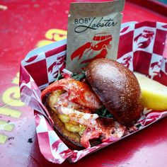 Managed to grab one last @bobs_lobster #slider at the last day of @streetfeastldn #Dinerama yesterday  #streetfood #foodmarket #eatfamous #lobster #instafood #forkyeah #culturetrip_ldn #zomatouk #foodpics #foodiegram