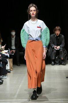 Moto Guo Tokyo Fall 2017 Fashion Show Collection