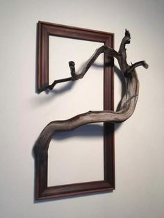 36 Creative and Inspiring Wooden Picture Frame Decorating Ideas - New Deko Sites Picture Frame Decor, Wooden Picture Frames, Wooden Frames, Arte Pallet, Driftwood Art, Driftwood Sculpture, Amazing Art, Amazing Ideas, Wood Crafts