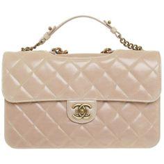 Pre-owned Nudefarbene handbag ($4,830) ❤ liked on Polyvore featuring bags, handbags, bolsas, nude, genuine leather handbags, chanel, real leather purses, preowned handbags and buckle purses